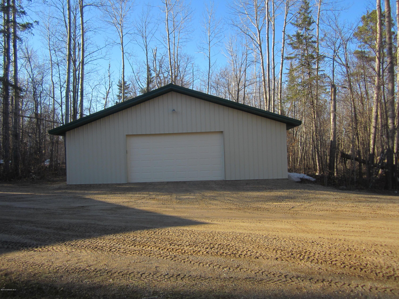 40X30 metal bldg., electric, cable 2 windows, garage door opener and dirt floor