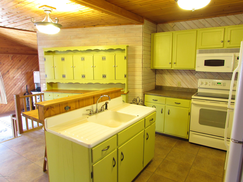 Kitchen - View 7