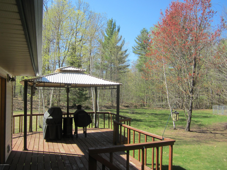 Side view w/ wrap around deck