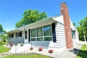 913 Steenerson Street NE, Warroad, MN 56763