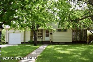 308 Maple Avenue S, Thief River Falls, MN 56701