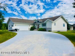 412 Maple Lane, Roseau, MN 56751