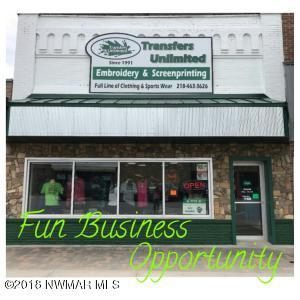 110 Main Avenue N, Roseau, MN 56751