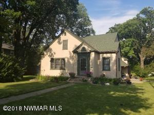 902 Main Avenue N, Thief River Falls, MN 56701