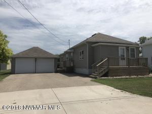 811 Sampson Street, Crookston, MN 56716