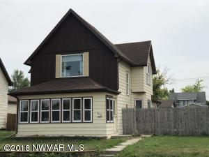609 Pleasant Avenue, Crookston, MN 56716