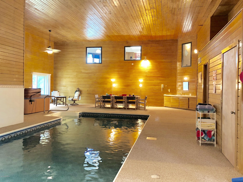 Fabulous indoor pool