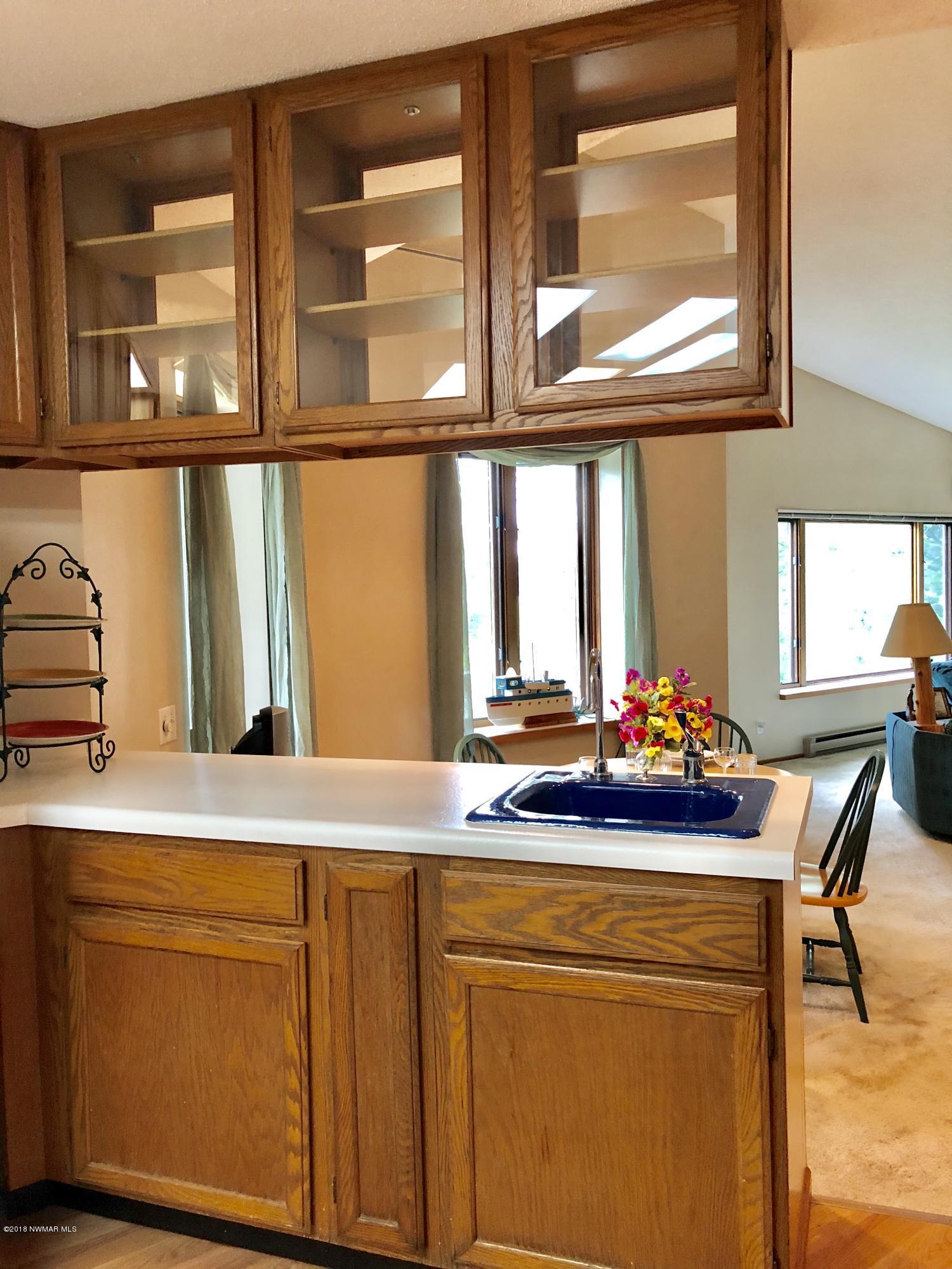 Kitchen with 2 sinks