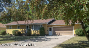 1307 Arnold Avenue N, Thief River Falls, MN 56701