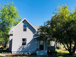 805 Lake Street NE, Warroad, MN 56763