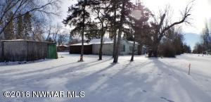 424 10th Street W, Thief River Falls, MN 56701