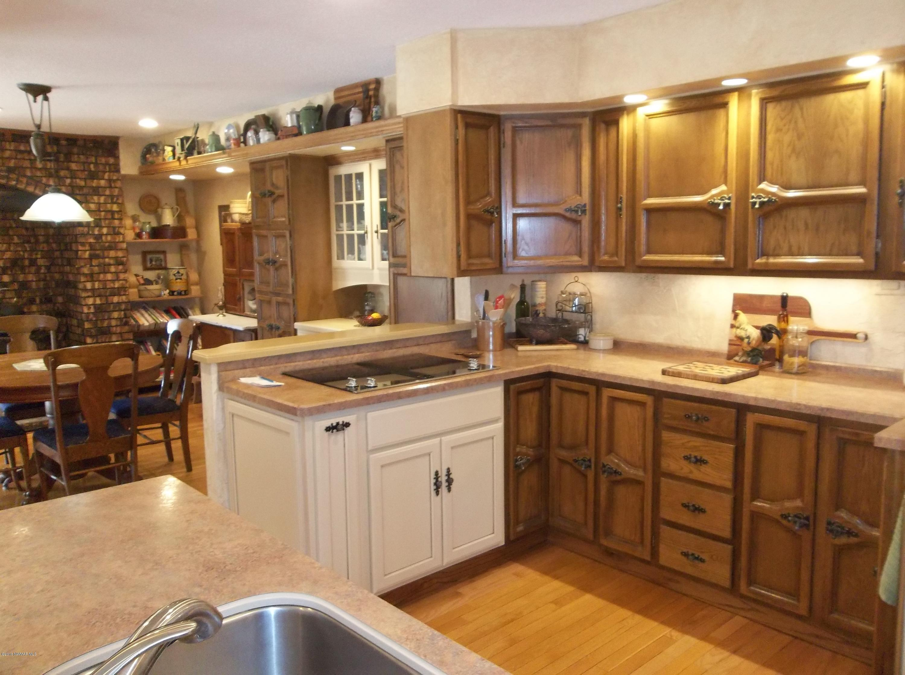 Kitchen / Eat In Dining