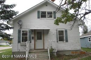 601 2nd Street SE, Roseau, MN 56751