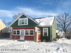 840 Tindolph Avenue S, Thief River Falls, MN 56701