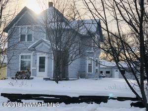 419 Stuart Avenue, Crookston, MN 56716