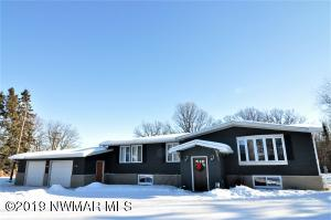 1204 7th Avenue SE, Roseau, MN 56751