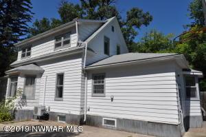 308 3rd Avenue NE, Roseau, MN 56751