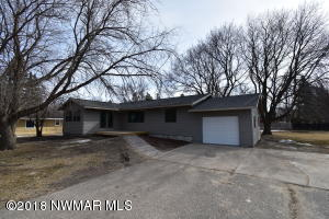 220 Minnesota Avenue NE, Warroad, MN 56763