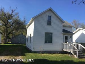 313 Leonard Avenue, Crookston, MN 56716