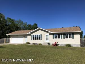 Nice, clean 5 bd, 2 ba home in Country Lane Estates.