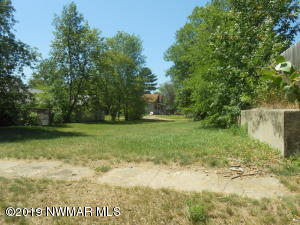 308 Spruce Avenue NE, Cass Lake, MN 56633