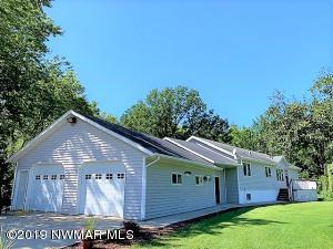 42810 County 2 Road, Roseau, MN 56751
