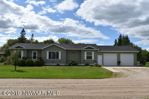 420 4th Street N, Middle River, MN 56737