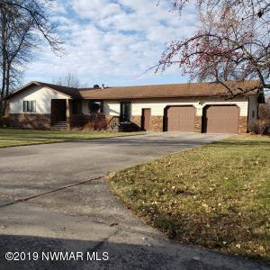 20 Holly Lane, Thief River Falls, MN 56701