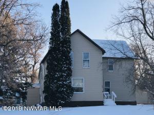 820 Stearns Street, Crookston, MN 56716