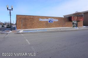 100 Main Avenue N, Roseau, MN 56751