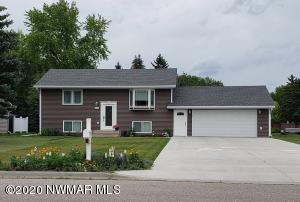 314 N Sherwood Avenue, Thief River Falls, MN 56701