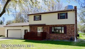 605 Kneale Avenue S, Thief River Falls, MN 56701