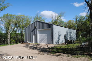 18459 144th Avenue NW, Thief River Falls, MN 56701