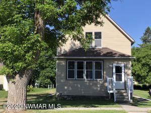 622 Holly Avenue, Crookston, MN 56716