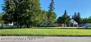 602 Dewey Avenue N, Thief River Falls, MN 56701