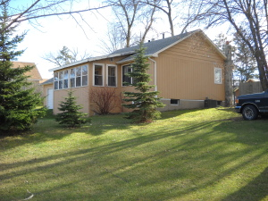 307 W BOWMAN ST, Battle Lake, MN 56515