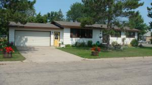 202 SE 6TH AVE, Perham, MN 56573