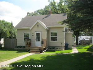 807 W Summit Avenue W, Fergus Falls, MN 56537