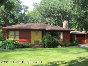 922 W SUMMIT Avenue, Fergus Falls, MN 56537