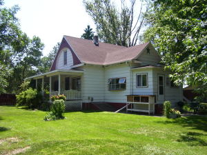 104 S 2nd Avenue, Dent, MN 56528