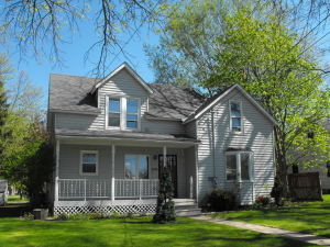 206 Grove Street W, Brownsdale, MN 55918