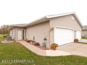 5615 White Oaks Lane NW, Rochester, MN 55901