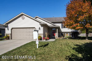 3839 Halling Place SW, Rochester, MN 55902