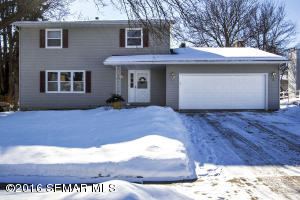 2421 Viking Court NW, Rochester, MN 55901