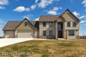 121 Majestic Road NW, Rochester, MN 55901
