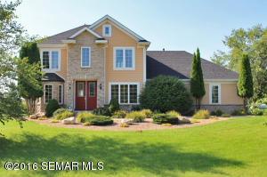 6605 Crest View Lane NW, Rochester, MN 55901