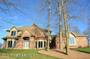 64 MCINTOSH Road E, La Crescent, MN 55947