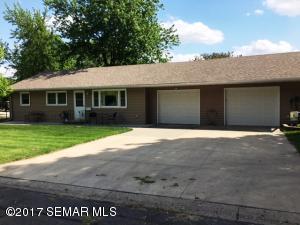 324 Fairview Drive, Albert Lea, MN 56007
