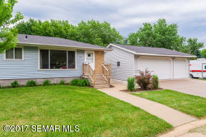 209 4th Avenue NW, Hayfield, MN 55940