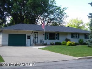 817 8th Avenue NW, Waseca, MN 56093